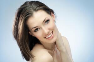 Как современной женщине сохранить молодость кожи лица?