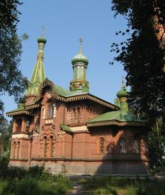 Церковь из красного неоштукатуренного  Валаамского кирпича построили за два года