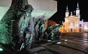 Почему Красная Армия в 1944 году так и не смогла помочь восстанию в Варшаве? Часть 1