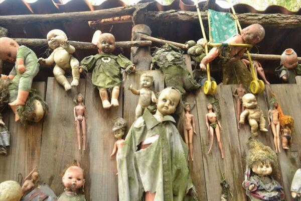 Остров кукол - кладбище кукол