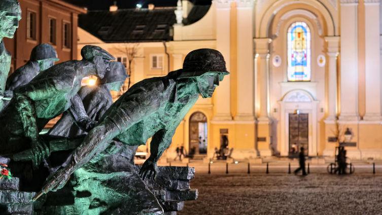 Почему Красная Армия в 1944 году так и не смогла помочь восстанию в Варшаве? Часть 2