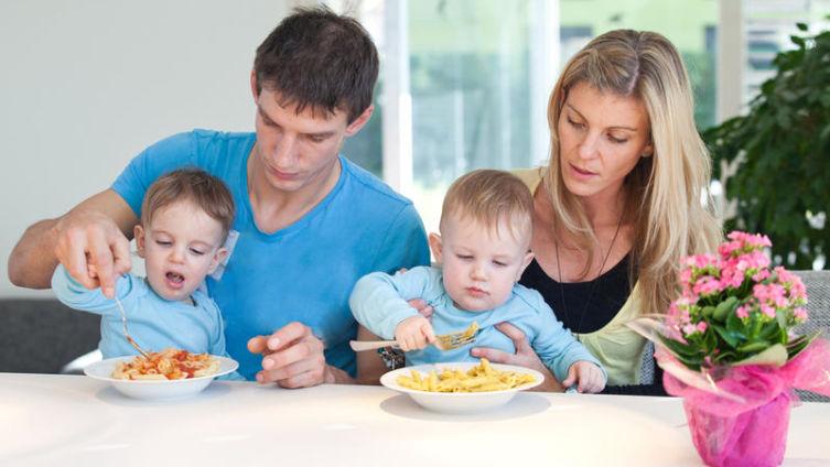 Вечная борьба с лишним весом. Как кормить детей?