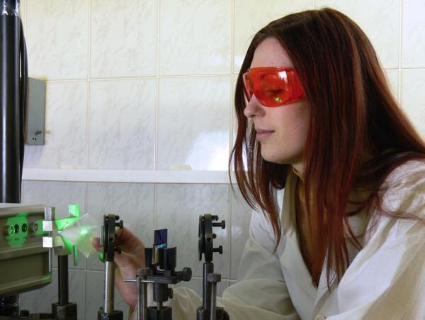 Лазерная химия – с чем ее едят?