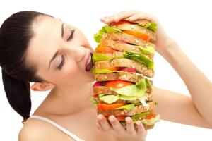 Как побороть привычку много есть?