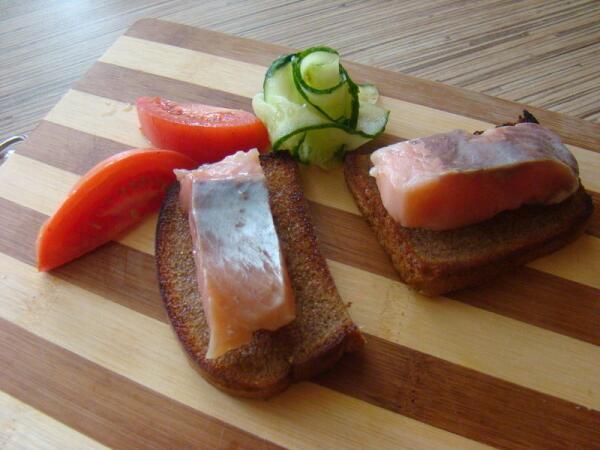 И на бутерброде