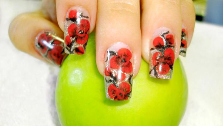 Как выбрать материалы для наращивания ногтей?