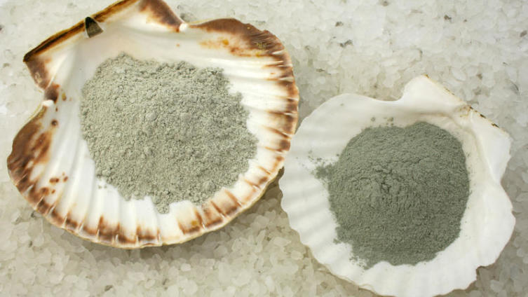 Как использовать голубую глину?