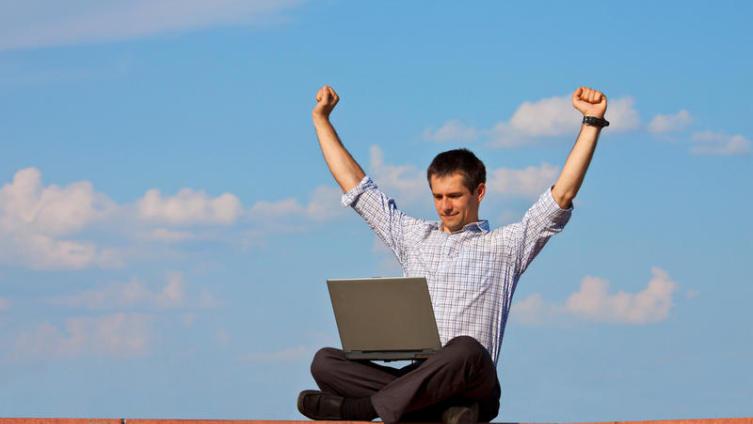 Успешный фрилансер: как работать дома и зарабатывать больше, чем в офисе?