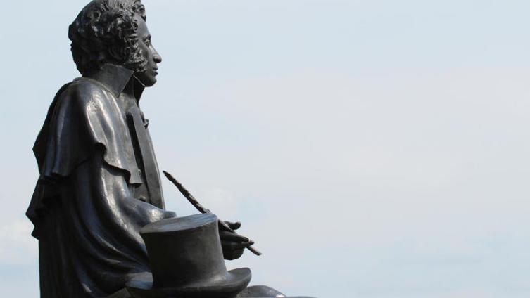 Какие неточности встречаются в романе А.С. Пушкина «Евгений Онегин»?