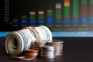 Что выбрать начинающему инвестору - ПИФы или акции?
