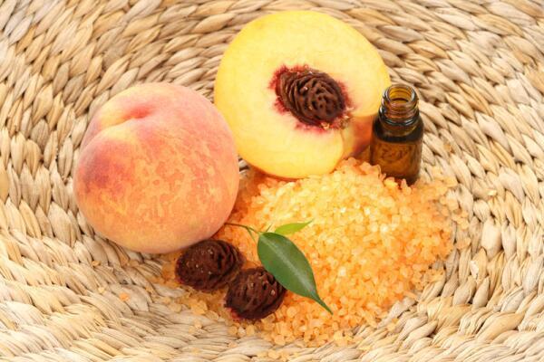 Как использовать персиковое масло?