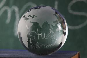 Обучение за рубежом. В чём преимущества, а в чём недостатки?