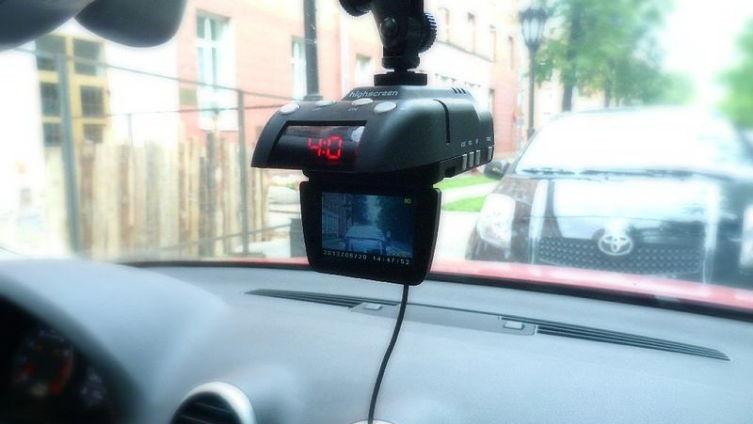 Какими бывают видеорегистраторы?
