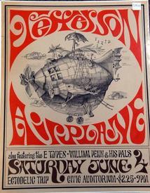 Говорят, что JEFFERSON AIRPLANE - сленговое название согнутой спички, с помощью которой докуривают остатки косяка. Но гитарист Кауконен утверждал, что оно взято из
