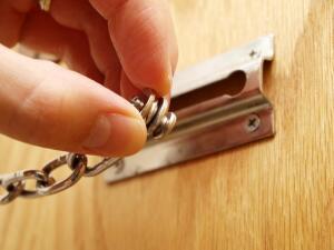 Кто имеет право войти в квартиру без вашего согласия?