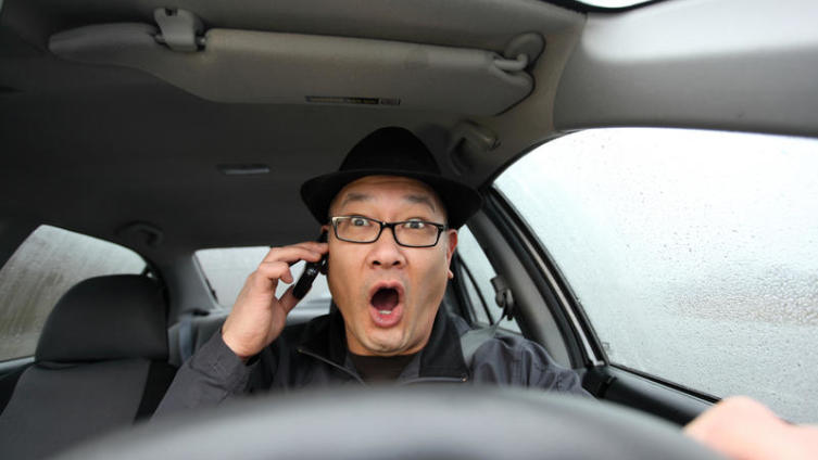 Телефон и автомобиль: опасность или «норма»?