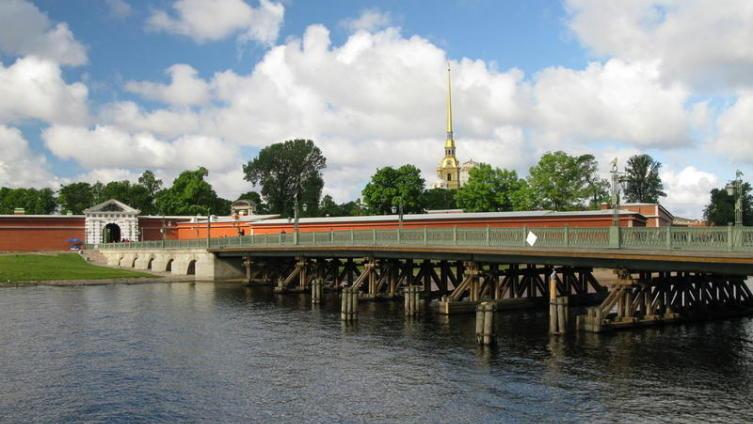 Петербург. Мосты над водами... Из чего они?