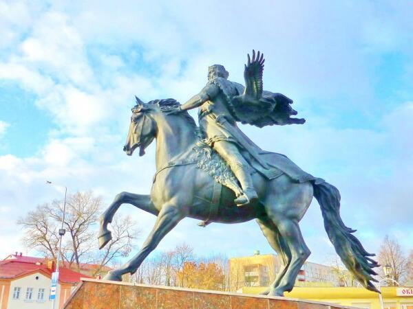 Памятник Всеславу Чародею в Полоцке