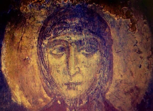 Одна из сохранившихся фресок. Считается, что на ней изображена игуменья монастыря Ефросинья Полоцкая.