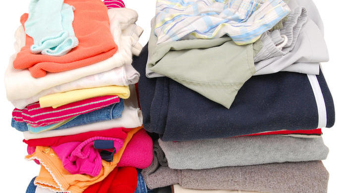 Куда деть старую одежду?