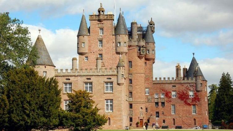 Замок Глэмс