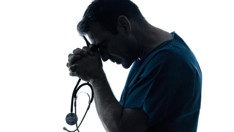 Врачебная ошибка - халатность или неспособность врача лечить?