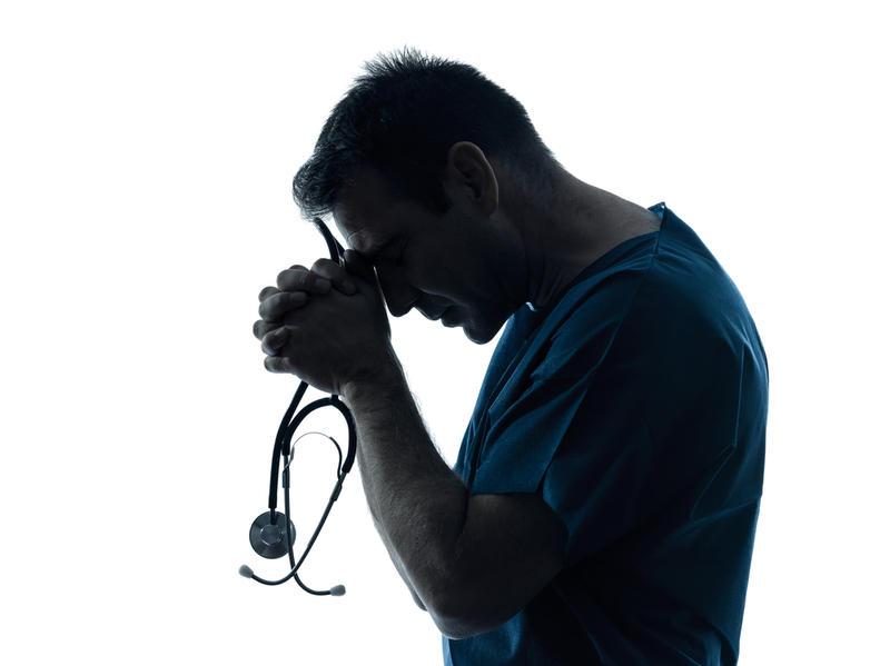 Минздрав предупреждают: в СКР появятся отделы по врачебным ошибкам