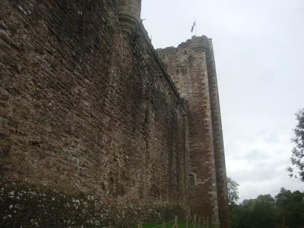 Замок Дун