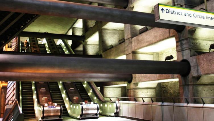 Переход в Лондонском метро