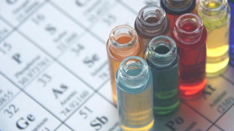 Можно ли рассказать простую историю на языке химических элементов?