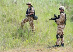 Будет ли женщина служить в армии?