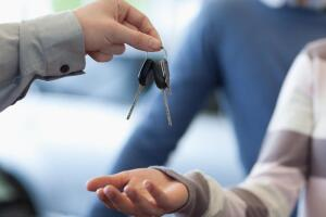 Покупка автомобиля. Как не стать жертвой «серых» дилеров?