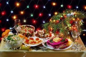 Вечная борьба с лишним весом. Как в Новый год сохранить желанные размеры?