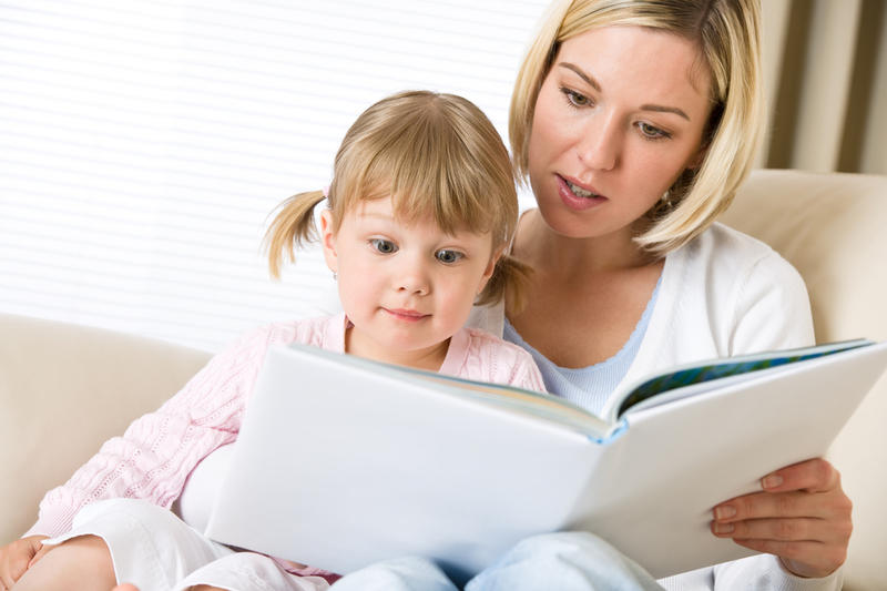 Зачем читать ребенку одну и ту же сказку? | Дом и семья | ШколаЖизни.ру