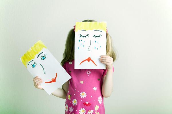 Как сделать новогоднюю маску на детский карнавал?