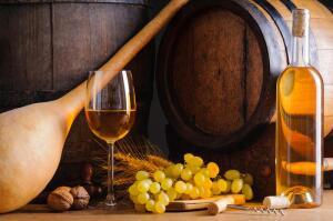 Как приготовить домашнее виноградное вино?