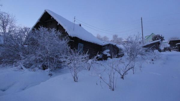 Частного сектора в Пряже довольно много. Одноэтажные деревянные домики...