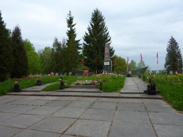 Главный памятник мемориала