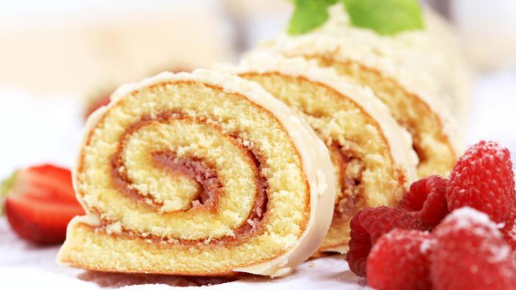 Для чего добавляют в тесто для бисквитного рулета разрыхлитель или соду