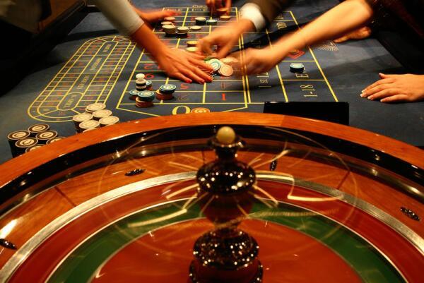 Идём в казино. А вдруг выиграем?