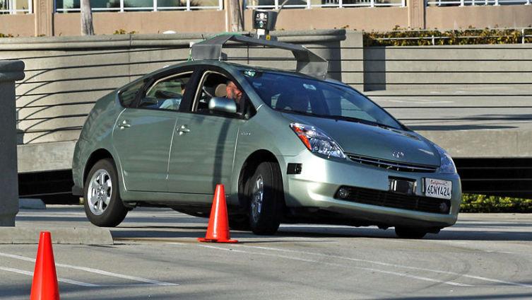 Гугломобиль. Когда же автомобиль будет ездить без водителя? Вчера!