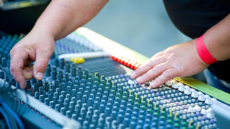 Чем занимается звукорежиссер?