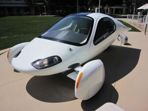 Aptera 2e. Почему этот футуристический трицикл неправильно называть Google car (гугломобиль)?