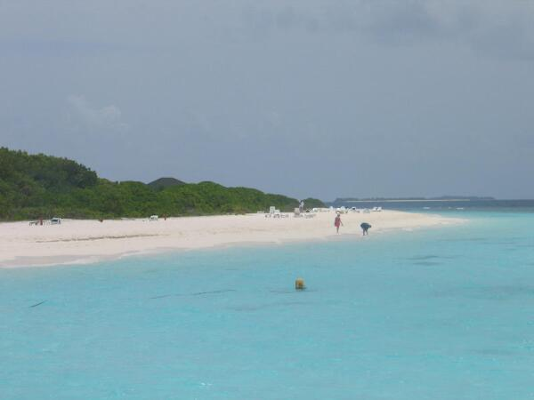 Мальдивы. Белоснежные пляжи и лазурная вода
