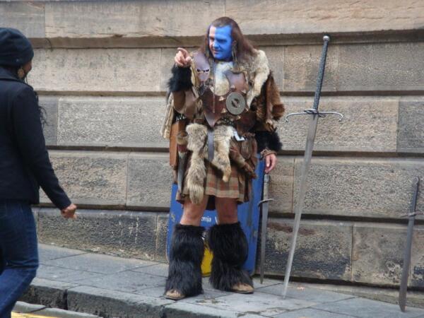 Воин с клеймором
