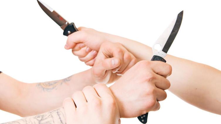 Почему мы не учимся «защищаться от ножа»?