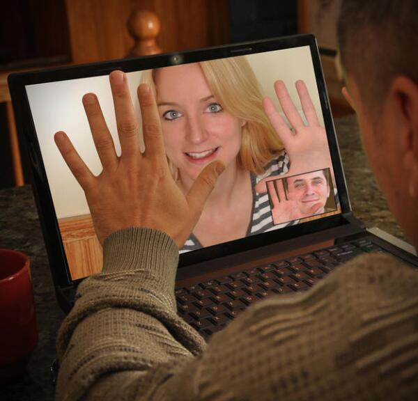 Знакомство по Интернету - проклятье или благословение?