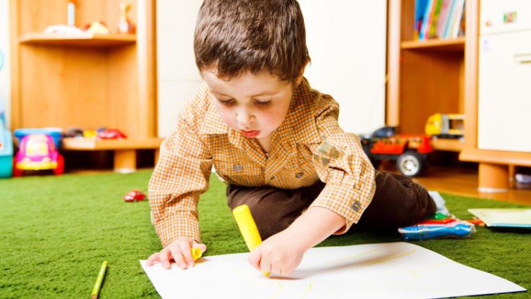 Как оформить детские рисунки? Вернисаж для каляки-маляки