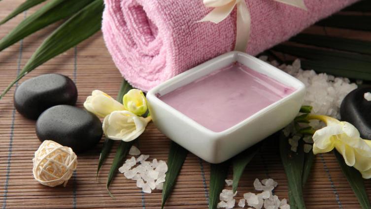 Какая польза от глины в косметологии? Розовая, желтая, черная...