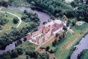 Как Ливонский орден владел, владел Бауским замком, а потом взял и потерял его?